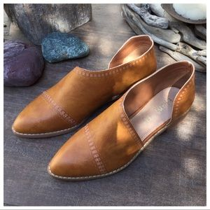 EMMA-Toffee Cutout Side Detailed Loafers